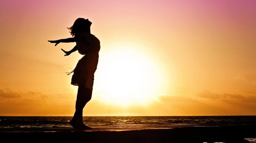 呼吸を意識するだけで起きるシルエットの変化。